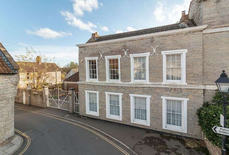 5 Bedrooms Property for sale in 1 Market Place, Somerton
