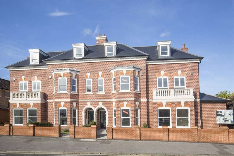 4 Bedrooms Terraced House for sale in Walsingham Terrace, Portsmouth Road, Thames Ditton, Surrey, KT7