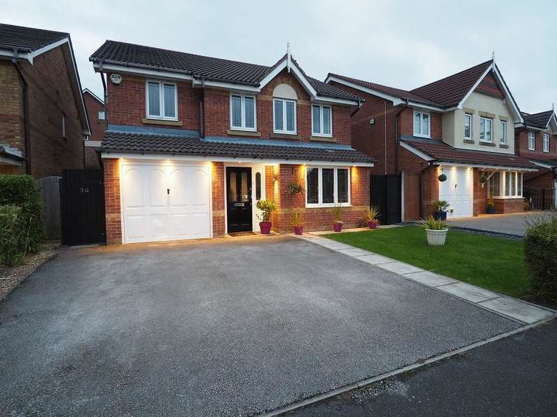 4 Bedrooms Detached House for sale in Whimberry Drive, Millbrook Village, Stalybridge, Cheshire, SK15 3RU