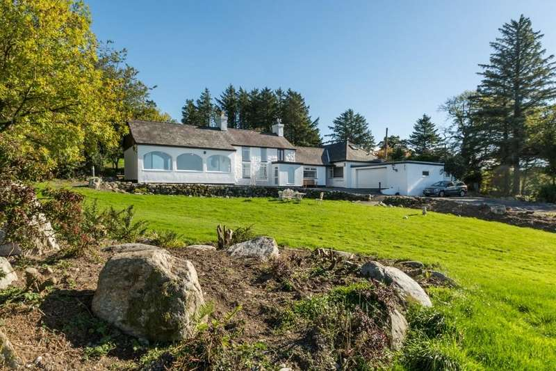 5 Bedrooms Detached House for sale in Carmel, Caernarfon, North Wales