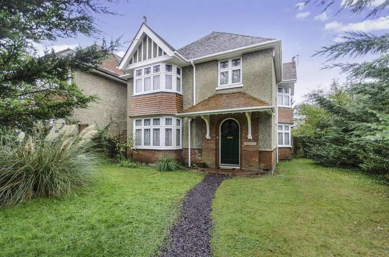 4 Bedrooms Detached House for sale in Raymond Road, Southampton