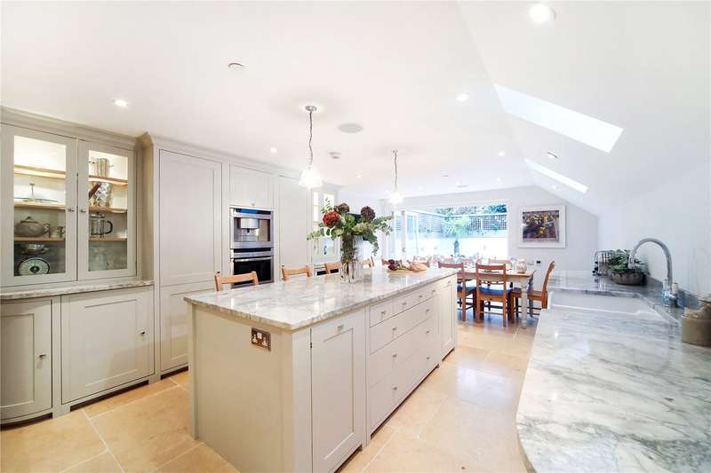 5 Bedrooms Terraced House for sale in Bettridge Road, Parsons Green, Fulham, London, SW6