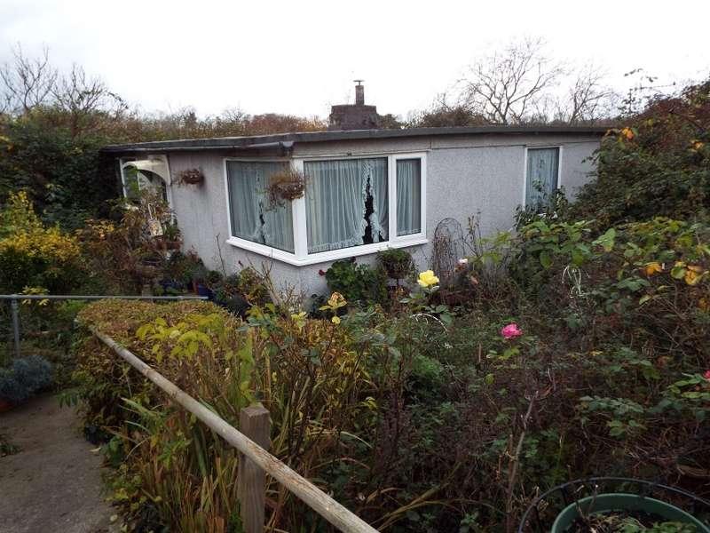 2 Bedrooms Detached Bungalow for sale in 16 Hadrian Close, Sea Mills, Bristol, Bristol