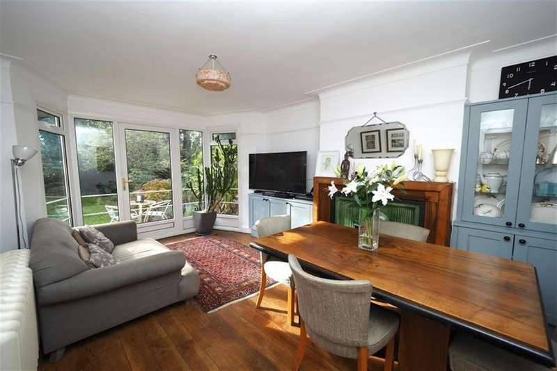 3 Bedrooms Semi Detached House for sale in Bushmoor Crescent, Shooters Hill, London, SE18