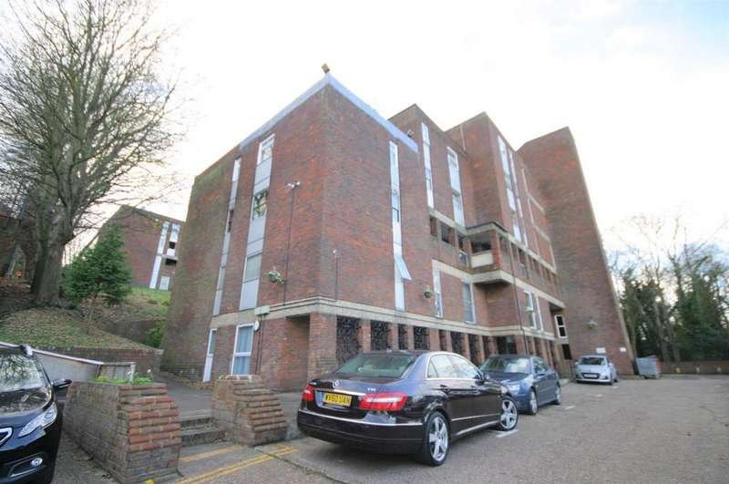 2 Bedrooms Apartment Flat for sale in Starpoint, Downs Road, Luton