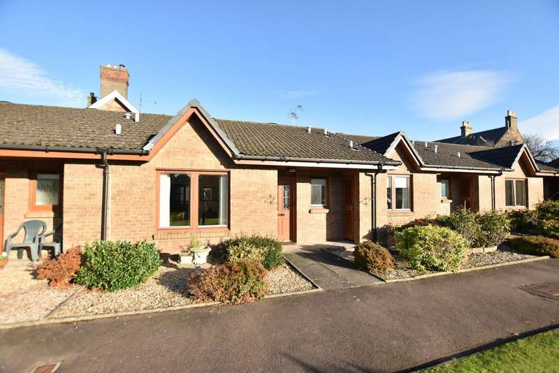 2 Bedrooms Bungalow for sale in 31 Carrick Gardens, Ayr, KA7 2RT