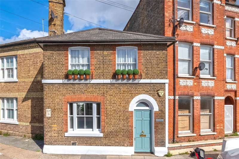 3 Bedrooms Terraced House for sale in Burlington Road, Parsons Green, Fulham, London, SW6