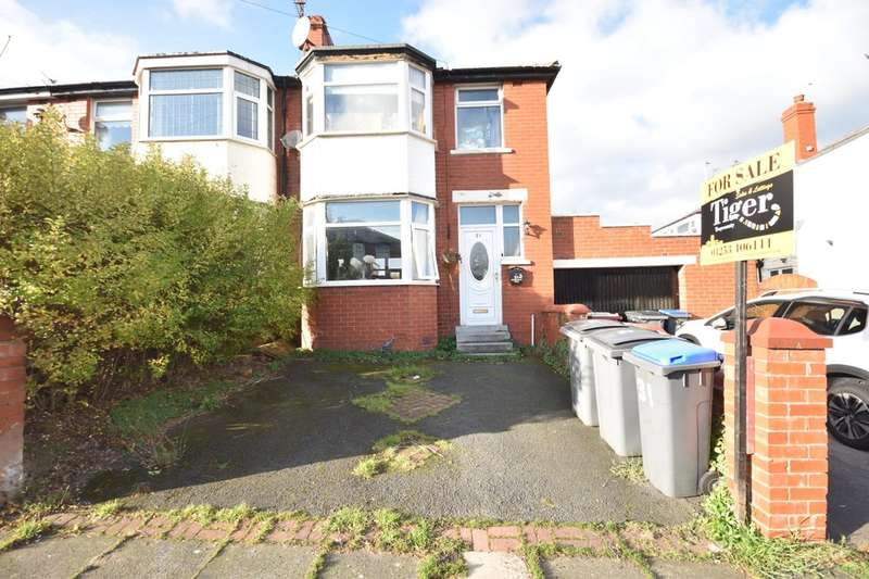 3 Bedrooms Semi Detached House for sale in Dryburgh Avenue, Blackpool
