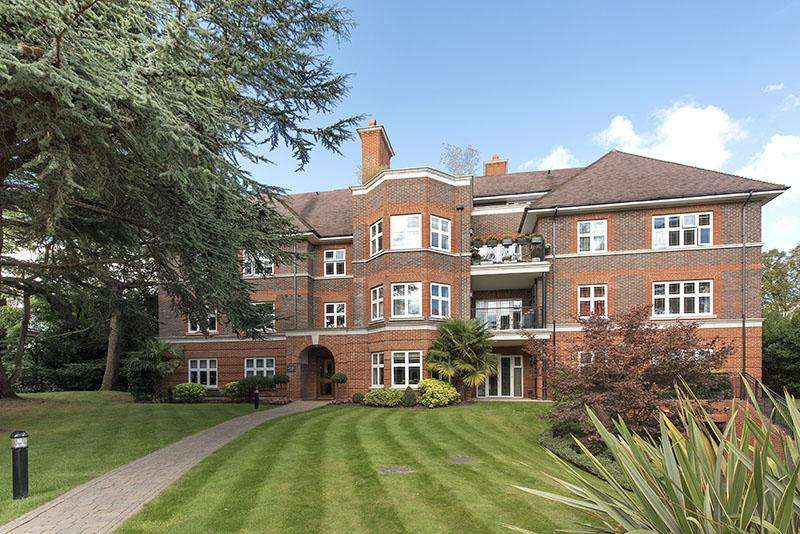 3 Bedrooms Apartment Flat for sale in BROOMFIELD COURT, BEAUMONT CLOSE, LONDON N2