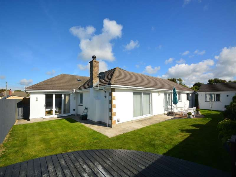 4 Bedrooms Detached Bungalow for sale in Broad Lane, Illogan, REDRUTH, Cornwall