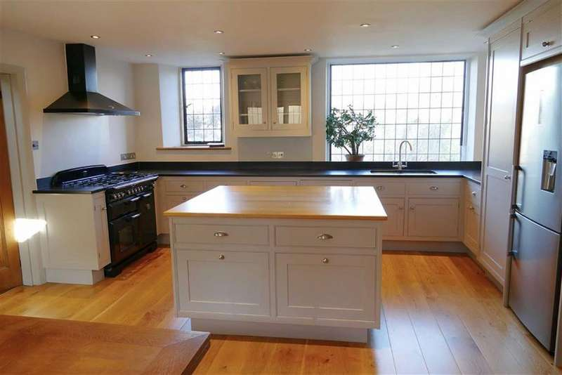 4 Bedrooms Detached House for sale in The Green, Calne