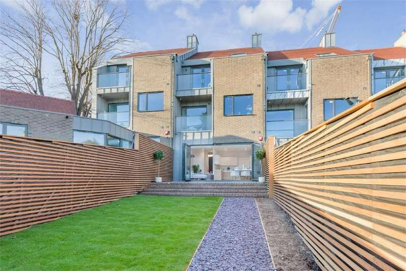 4 Bedrooms Terraced House for sale in Styles Field, Lewes, East Sussex