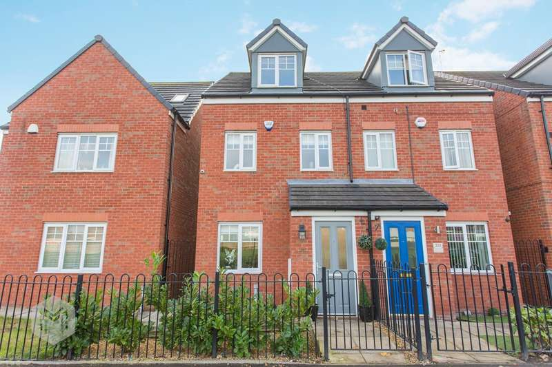 3 Bedrooms Town House for sale in Walshaw Road, Bury, BL8