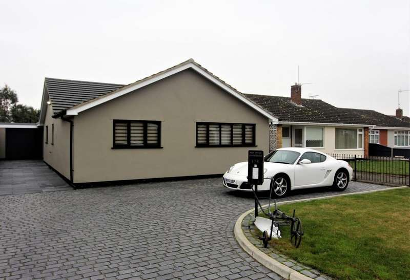 4 Bedrooms Detached Bungalow for sale in Broadwaters Road, NR33