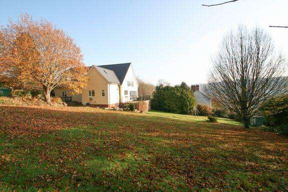 4 Bedrooms Detached House for sale in Bampton