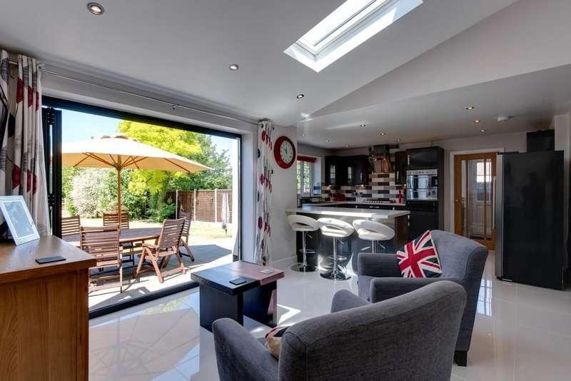 4 Bedrooms Semi Detached House for sale in Dedham, Essex