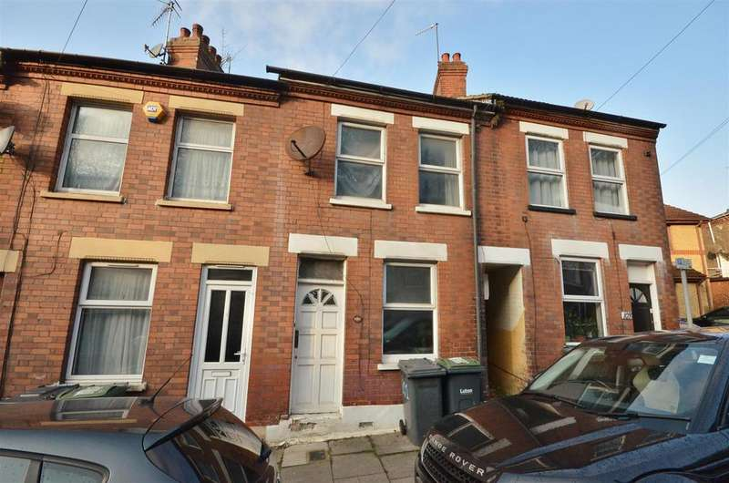 2 Bedrooms Terraced House for sale in Close To Town Center, Luton