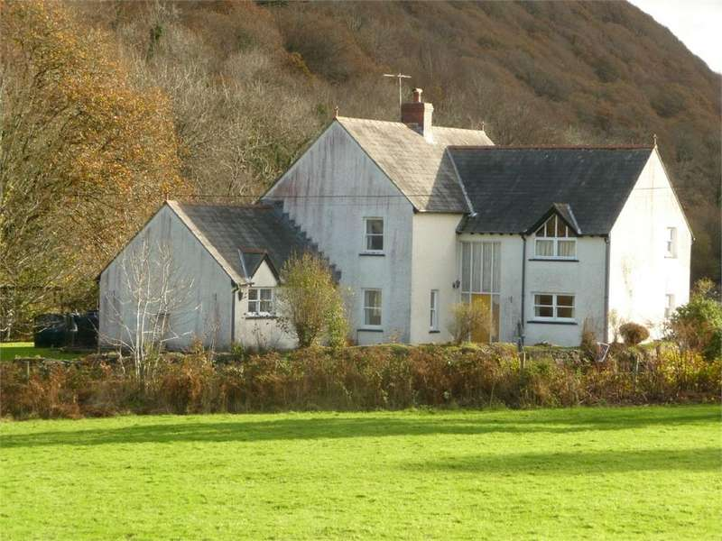 5 Bedrooms Detached House for sale in Ddol Isaf, Llanychaer, Fishguard, Pembrokeshire