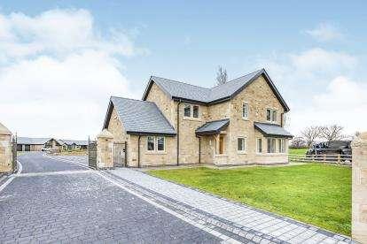 4 Bedrooms Detached House for sale in Lakeside, Halfpenny Lane, Longridge, Preston, PR3