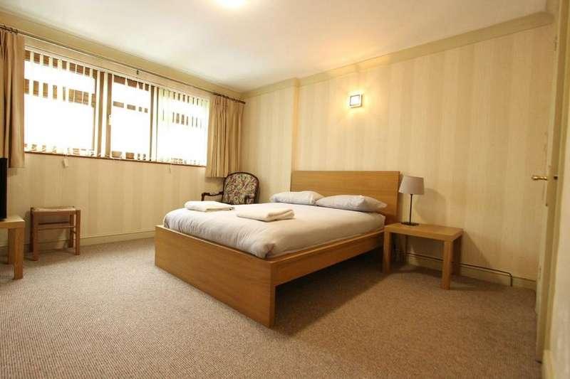 4 Bedrooms Town House for sale in North Twelfth Street, MILTON KEYNES, MK9