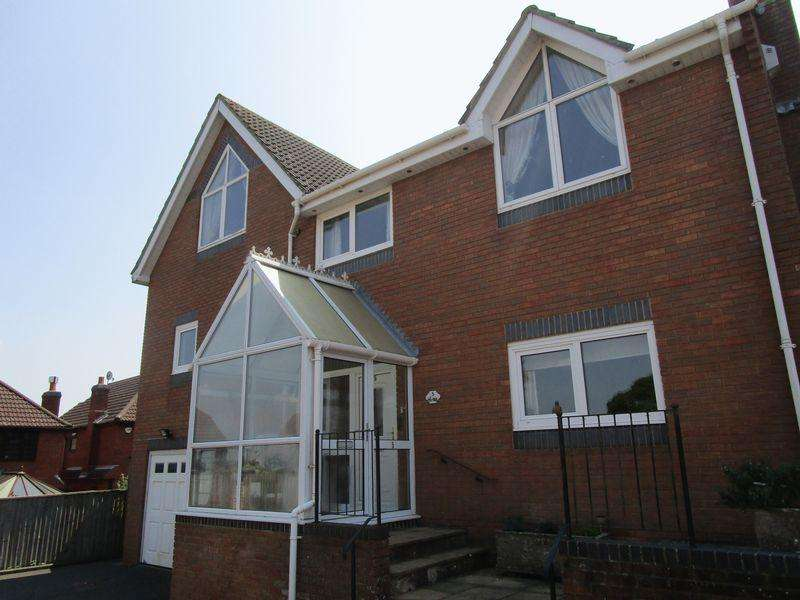 6 Bedrooms Detached House for sale in Castledean Park