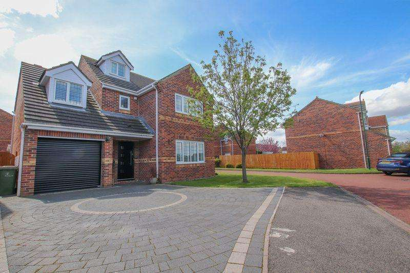 5 Bedrooms Detached House for sale in Azalia Grove, Redcar ***VENDOR TO PAY STAMP DUTY***