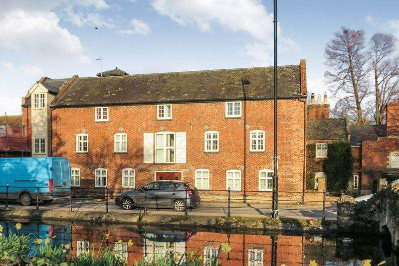 2 Bedrooms Apartment Flat for sale in Central Bourne