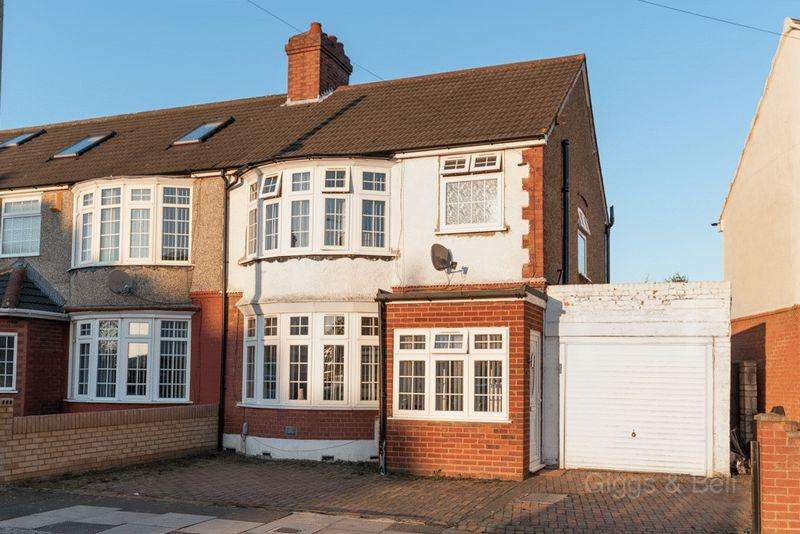 3 Bedrooms Semi Detached House for sale in ***Popular Meads District***