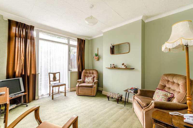 3 Bedrooms Terraced House for sale in Elborough Road, South Norwood, SE25