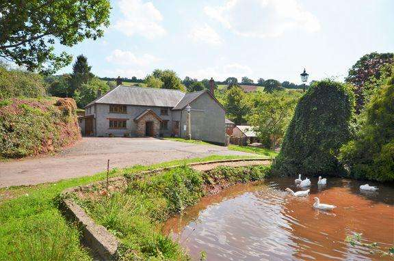 6 Bedrooms Detached House for sale in Butterleigh - Tiverton