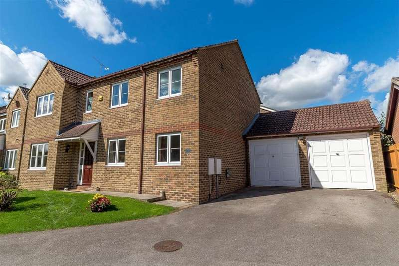 4 Bedrooms Detached House for sale in Poundfield Way, Twyford, Reading