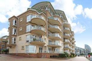2 Bedrooms Flat for sale in Mendip Court, Chatfield Road, Battersea, London