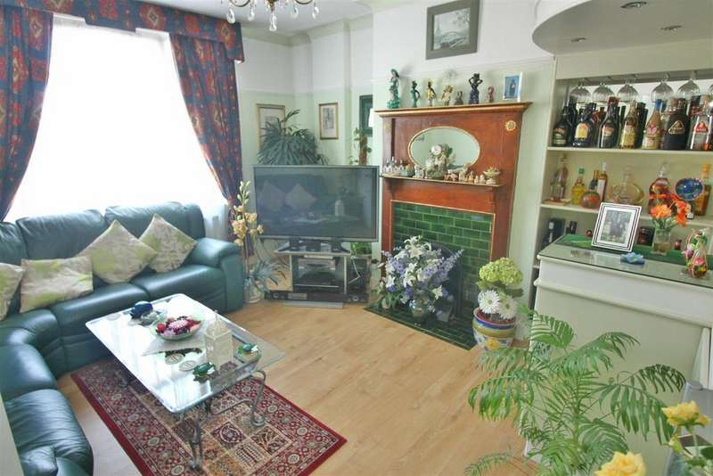 3 Bedrooms Semi Detached House for sale in Tottenhall Road, London