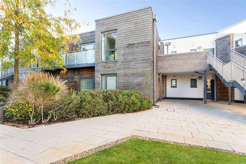 2 Bedrooms Apartment Flat for sale in Baily, Parkway, Newbury, Berkshire, RG14