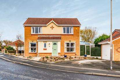 3 Bedrooms Detached House for sale in Newsham Road, Cale Green, Stockport, Cheshire