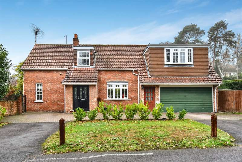 4 Bedrooms Detached House for sale in Thibet Road, Sandhurst, Berkshire, GU47