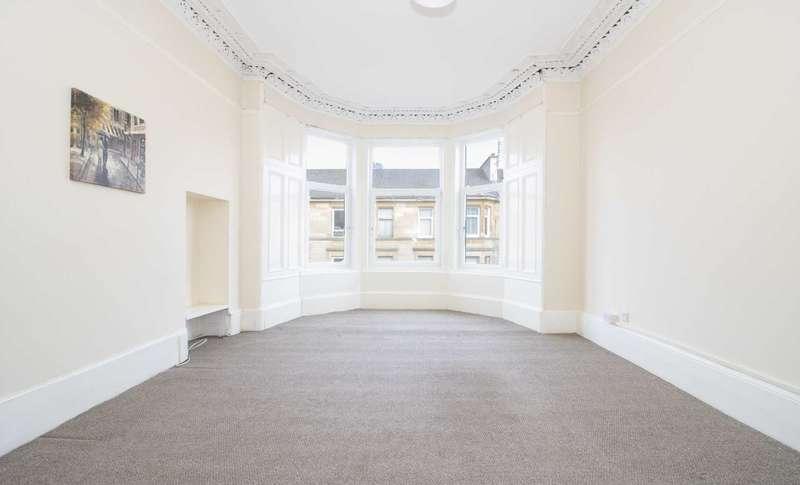 3 Bedrooms Flat for sale in Roslea Drive, Dennistoun