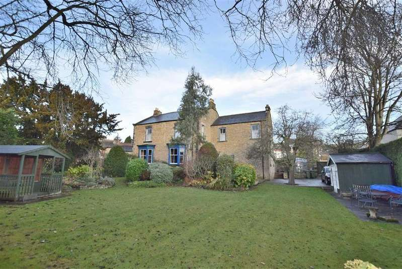 5 Bedrooms Detached House for sale in Victoria Road, Richmond, North Yorkshire