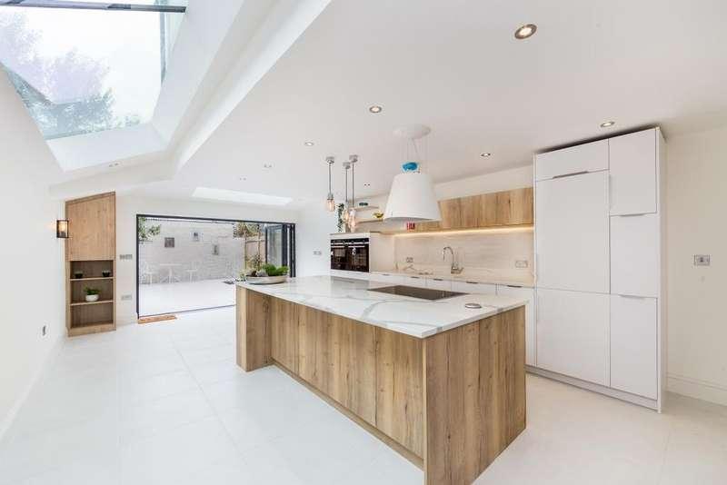 4 Bedrooms Terraced House for sale in Roxwell Road, Shepherds Bush, London, W12