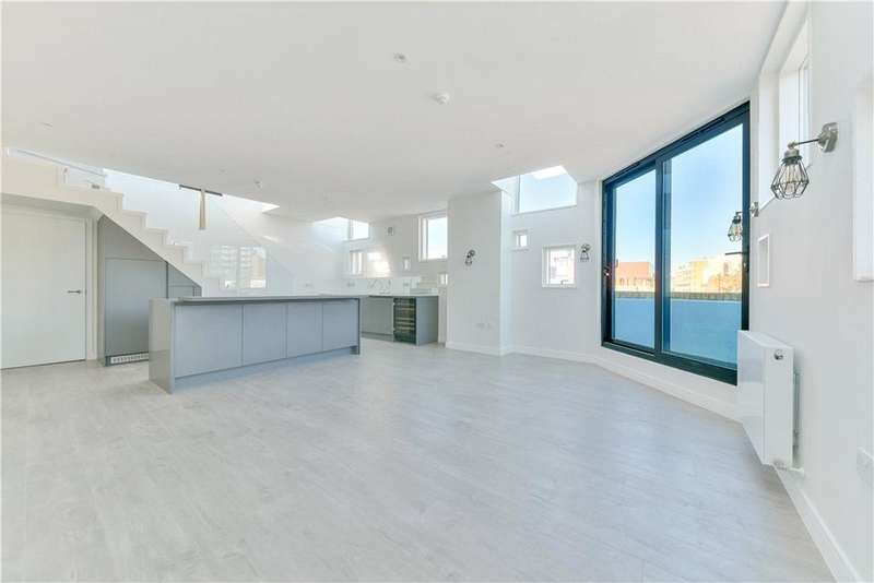 2 Bedrooms Flat for sale in Turner Street, Aldgate, London, E1