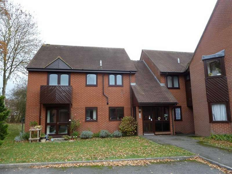 2 Bedrooms Retirement Property for sale in Essex Way, Sonning Common, Sonning Common Reading