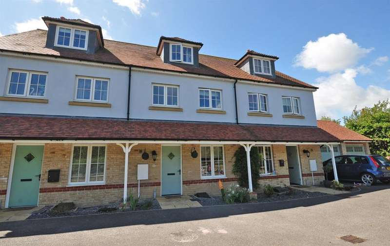 4 Bedrooms Terraced House for sale in Conquest Drive, Hailsham