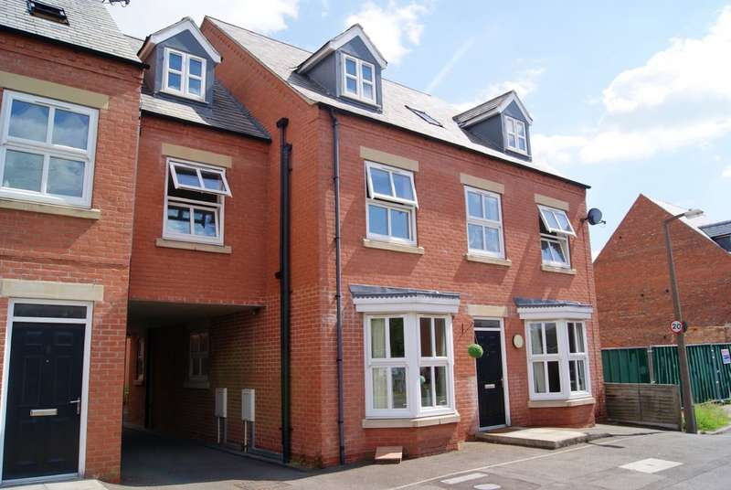 3 Bedrooms Apartment Flat for sale in Blenheim Road, Lincoln LN1