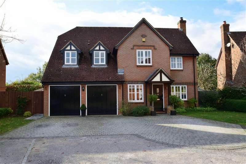 5 Bedrooms Detached House for sale in Wellington Gardens, Bradfield Southend, Reading