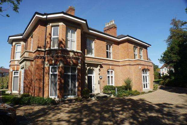 1 Bedroom Apartment Flat for sale in Bradgate Close, Narborough, Leicester, LE19