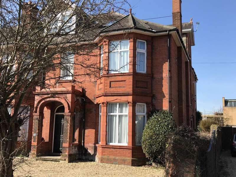 3 Bedrooms End Of Terrace House for sale in Elmhurst Road, Gosport PO12