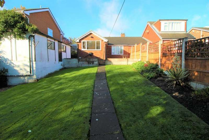 2 Bedrooms Semi Detached Bungalow for sale in Westleigh Lane, Leigh