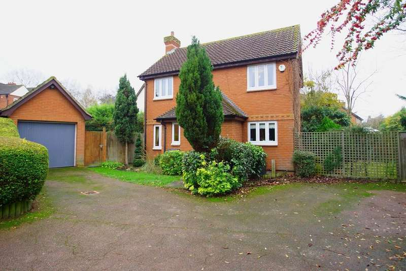 3 Bedrooms Detached House for sale in Acacia Way, Sidcup, DA15