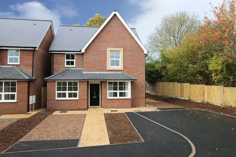 4 Bedrooms Detached House for sale in The Knoll , Manor Avenue, Kidderminster, DY11