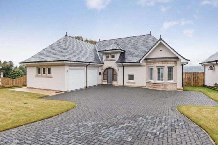 5 Bedrooms Detached House for sale in Kings Point, Shandon, Helensburgh, G84 8BT